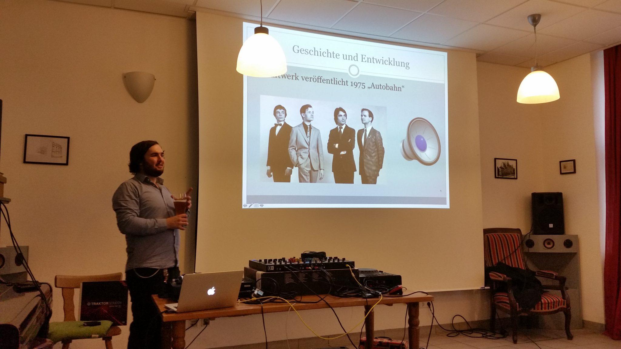 Takt und Ton – Musiktheorie im DJ Gewerbe — ein Vortrag von Bbr. Simon Heiss